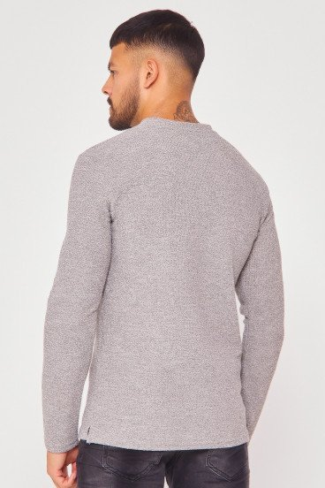 Pull gris clair effet maille avec poches