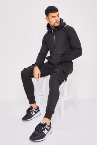 Ensemble noir sweat + jogging à fermoir