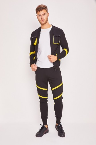 Ensemble jogging noir et jaune / Uniplay